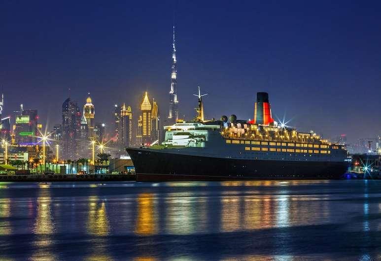 Vi tester Dronning Elizabeth II Dubai