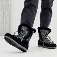 Moonboot High Shearling Snowboots in Silver Black