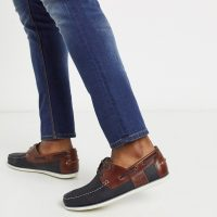 Barbour Capstan leather boat shoes in navy