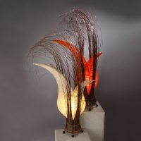 Bordlampe Bunga med blomsterform, krem