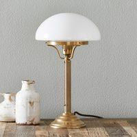 Klassisk bordlampe HARI av messing