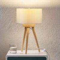 Trebordlampe Charlia med hvit stoffskjerm