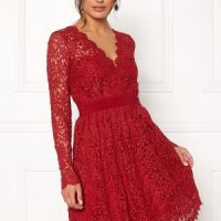 Moments New York Leyla Crochet Dress Vinröd 38