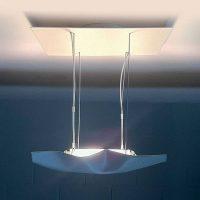 Knikerboker Piccola Crash LED-taklampe hvit