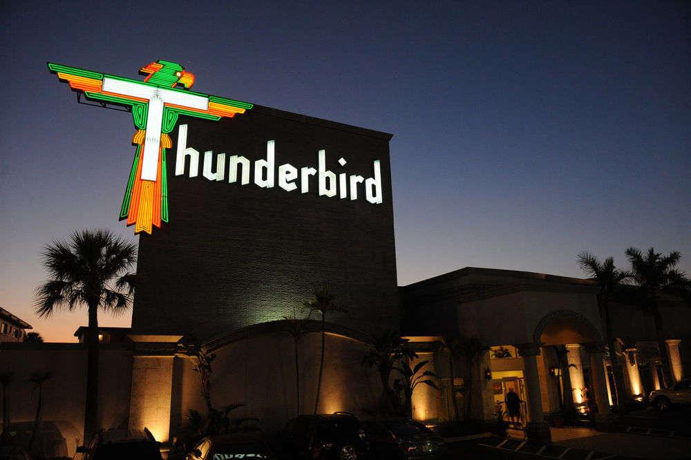 Thunderbird Beach Resort på Treasure Island i Florida