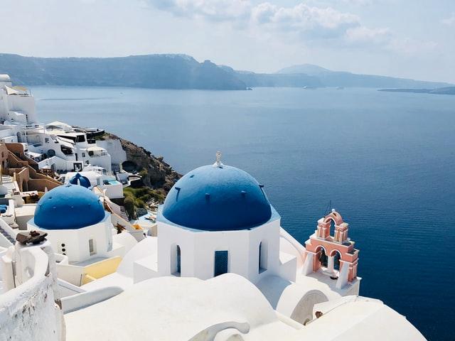 Nybegynnerguide til Santorini - Three bells of Fira