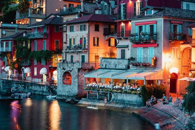 De 9 vakreste landsbyene i Italia - Varenna