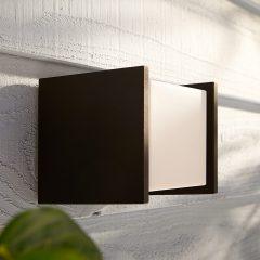 Philips Hue White Fuzo utendørs vegglampe, 13x14cm