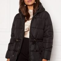 Martine Lunde X Bubbleroom Puffer jacket Black 40